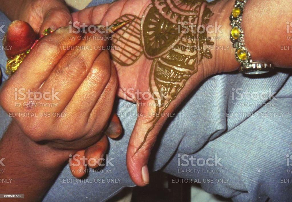 Mehndi For Tattoo : Mehndi henna tattoo is traditional indian decorative art man