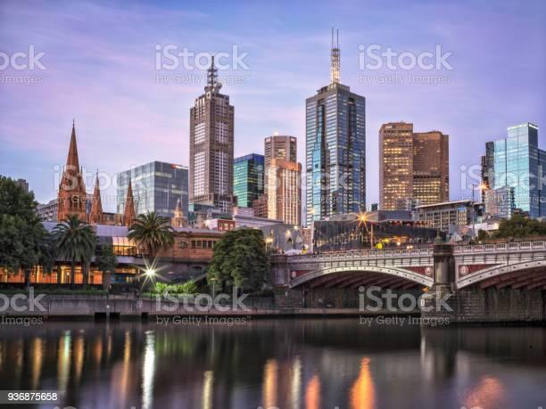 Melbourne cbd picture id936875658?b=1&k=6&m=936875658&s=612x612&h=gwqopoyu otsb23mapjmi wd vopbme rtzn6o7gsou=