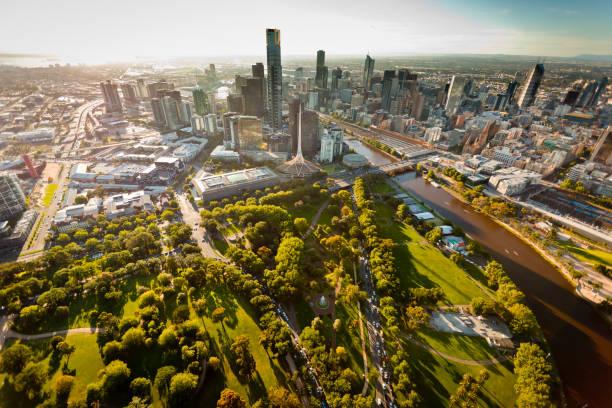 melbourne skyline - victoria australia foto e immagini stock