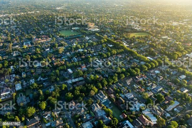 Melbourne suburb in the sunrise picture id938467862?b=1&k=6&m=938467862&s=612x612&h= tv5kl8vb k8ujwiqzjspxfdkztxtmzsnudfljg5uhu=
