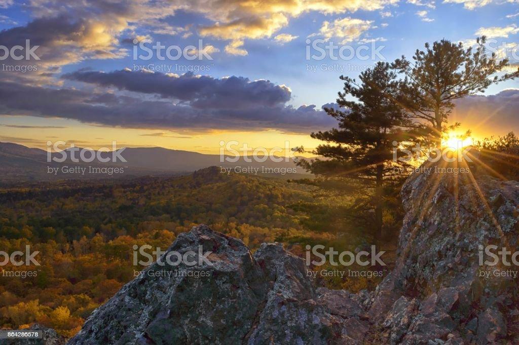 Milden Herbst in den Bergen – Foto