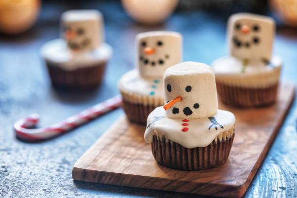 Geschmolzene Schneemann Cupcakes – Foto