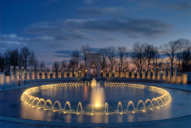 wwii memorial at dusk - war memorial stock pictures, royalty-free photos & images