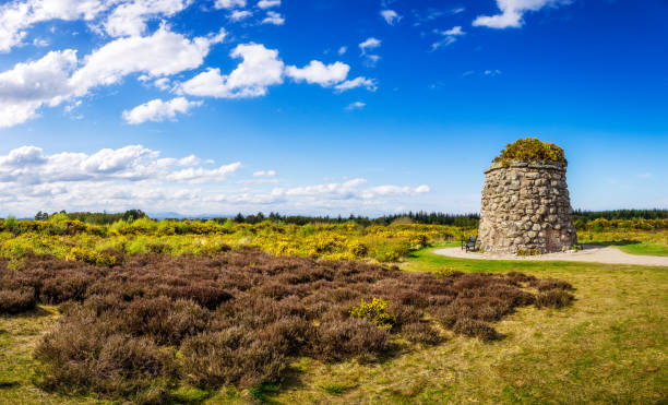 Memorial Cairn at the battlefield of Culloden Memorial Cairn at  the battlefield of Culloden near Inverness culloden stock pictures, royalty-free photos & images