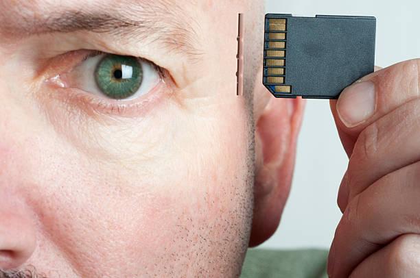 memory card gehirn - gedanken lesen stock-fotos und bilder