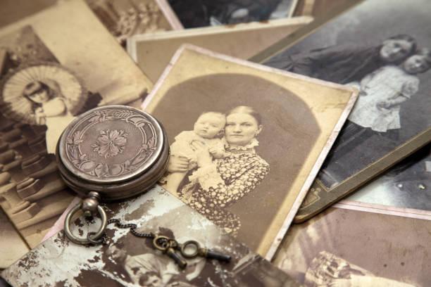mémoire des ancêtres. - arbre généalogique photos et images de collection