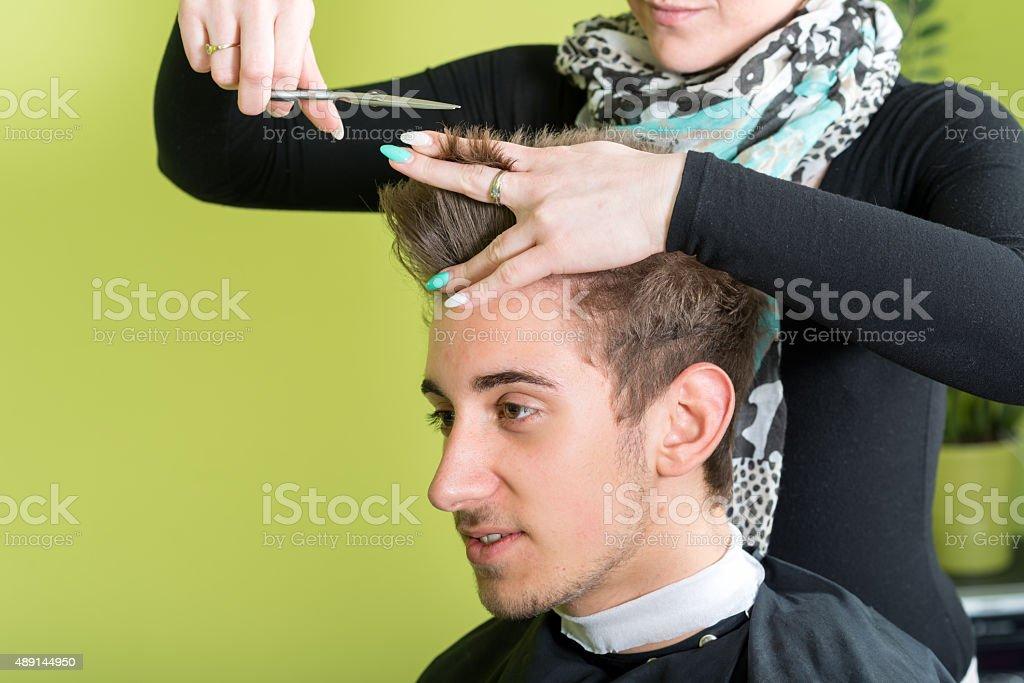 Sich Einen Neuen Haarschnitt Für Männer Stockfoto Und Mehr