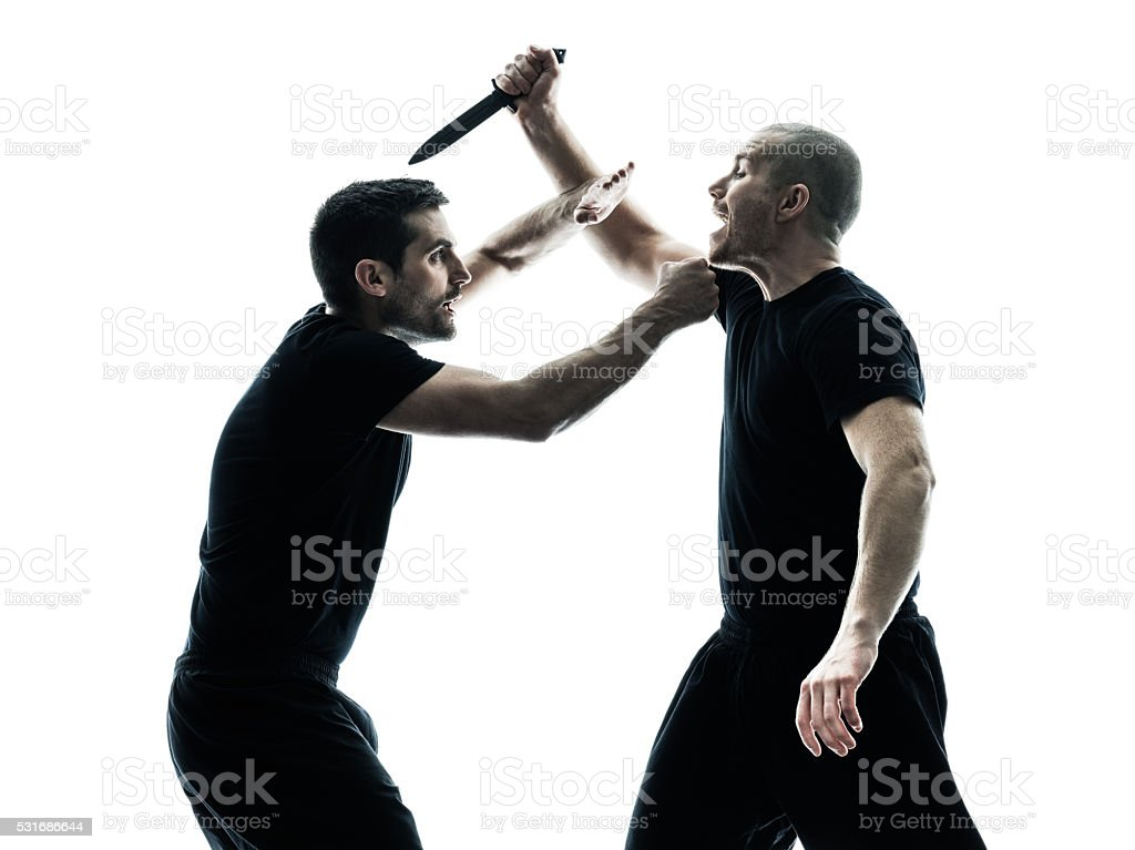 Homens Krav Maga Lutadores Contra Isolados - Fotografias de stock e mais  imagens de Adulto
