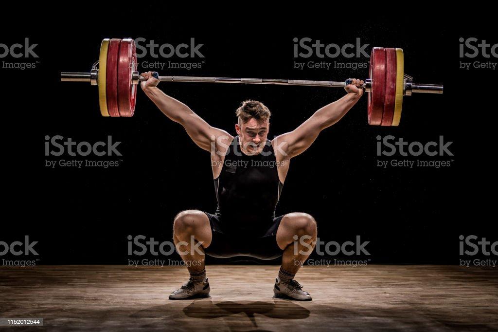 Männer trainieren mit Schalen - Lizenzfrei 20-24 Jahre Stock-Foto
