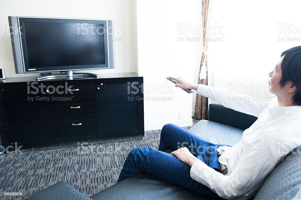 Мужчин Смотреть телевизор Стоковые фото Стоковая фотография