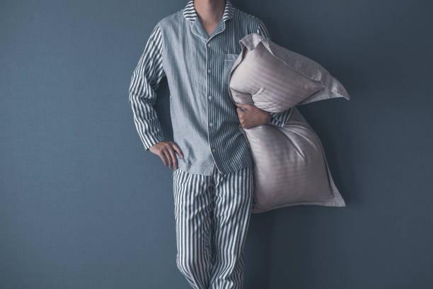 Männer tragen Pyjama – Foto