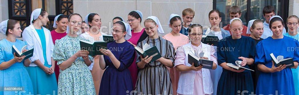 Mennoniten-Chor in Downtown Mall – Foto