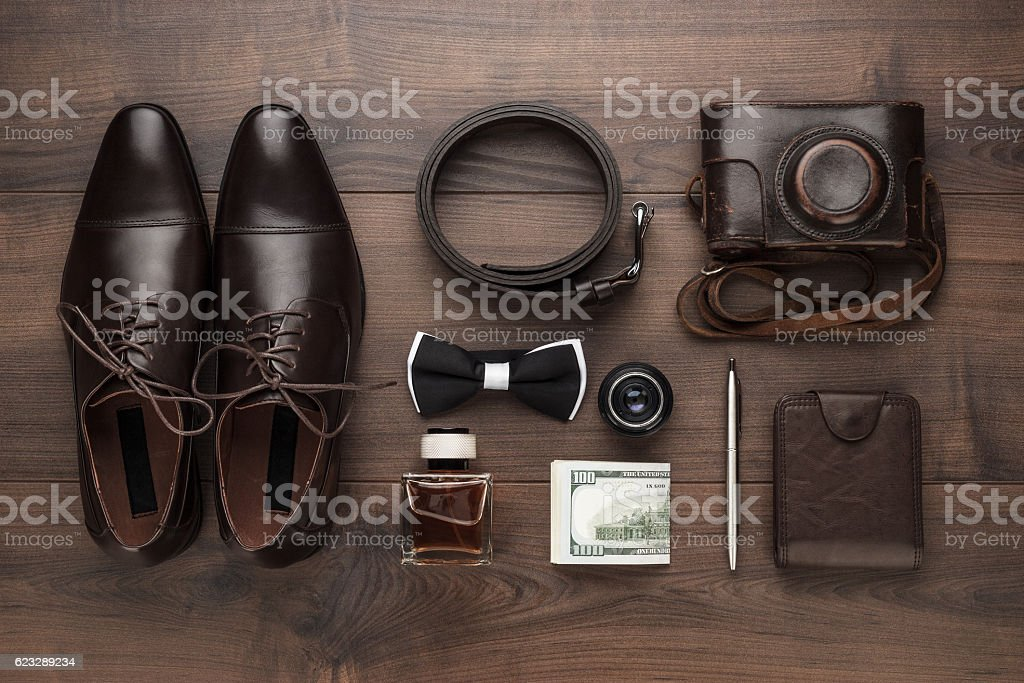 men's accessories in order on the table - foto de acervo