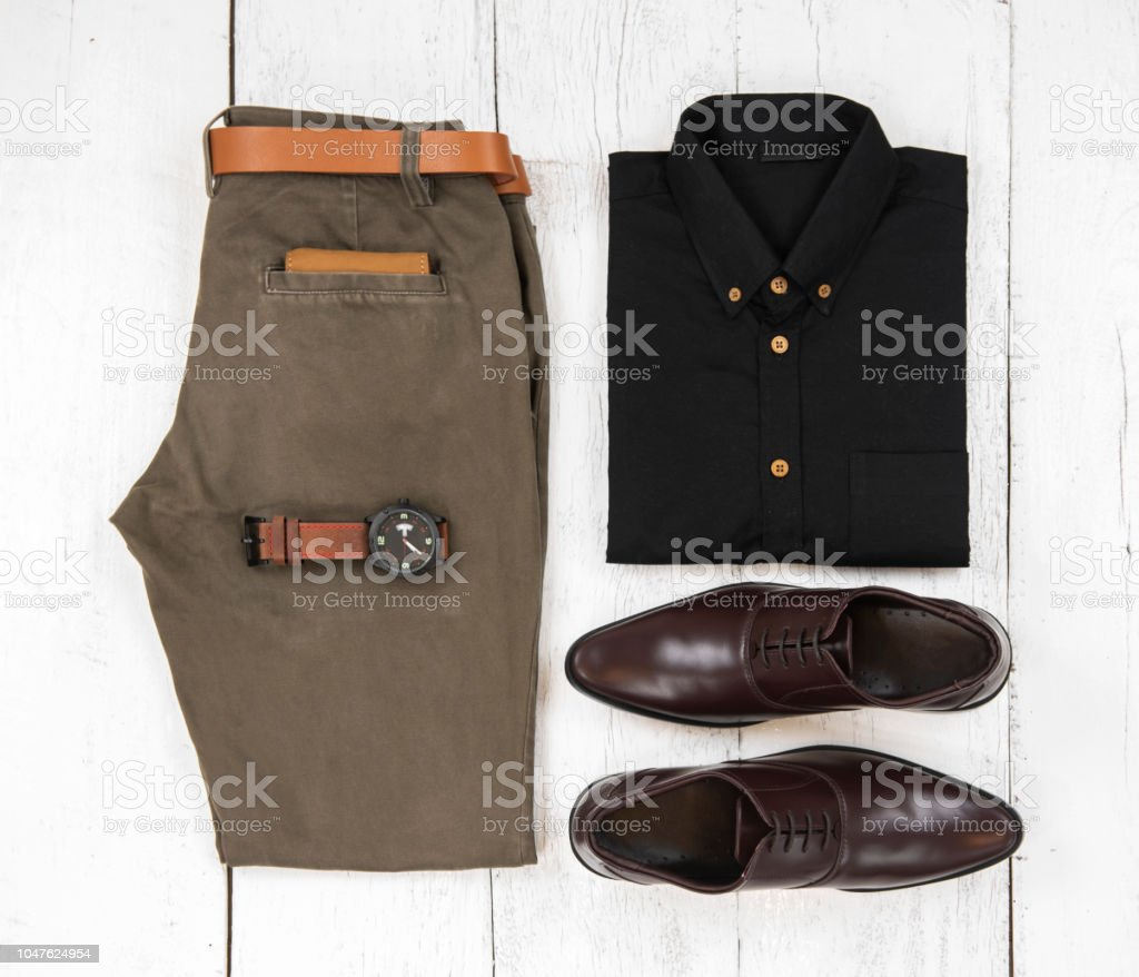 bfa8b47933 Trajes Casuales De Hombres Para Hombre Ropa Con Zapatos Marrones ...