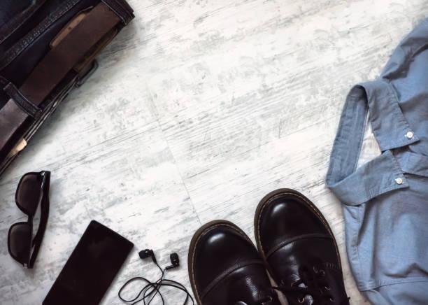 men's clothes and accessories. - phone, travelling, copy space imagens e fotografias de stock