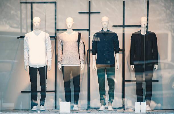 男性用衣料の小売り店 - マネキン ストックフォトと画像