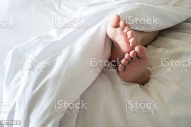 Mens feet in a white blanket picture id672291940?b=1&k=6&m=672291940&s=612x612&h=oci7yjudnqgnowmp1xuf9xqjj7wcoqzf kyw8svscum=