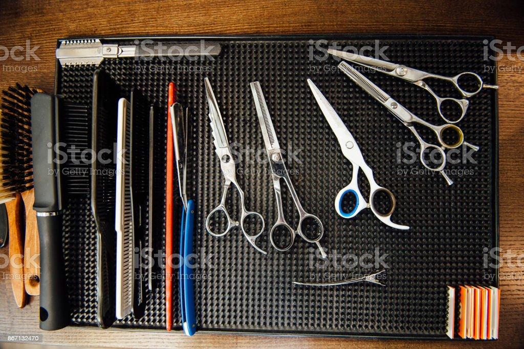 Photo de stock de bureau de coiffure mens avec outils pour le