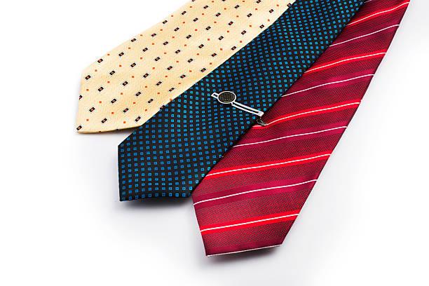 männer tragen: eine reihe von krawatte. - krawattennadel stock-fotos und bilder
