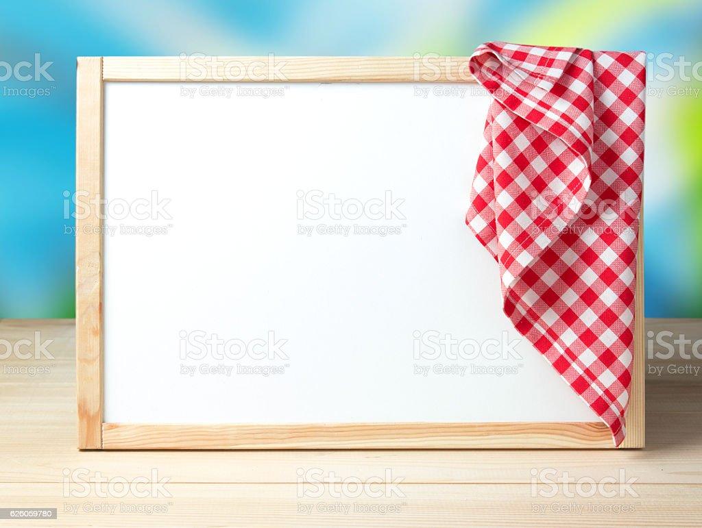 Menu recipe cafe white board background picnic cloth. – Foto