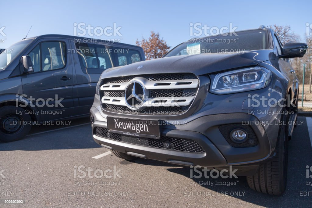 Mercedesbenz Symbol On A Car Mercedesbenz Is A Global Automobile