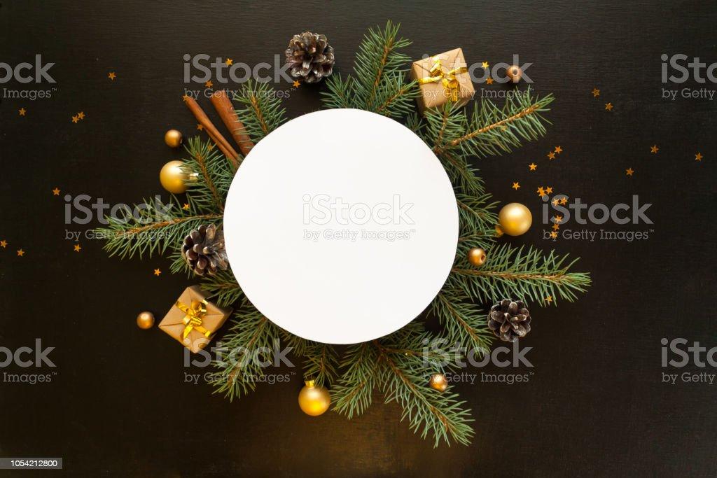 Frohe Weihnachten Und Happy New Year.Frohe Weihnachten Und Happy New Year Schwarzen Hintergrund Stockfoto Und Mehr Bilder Von 2019