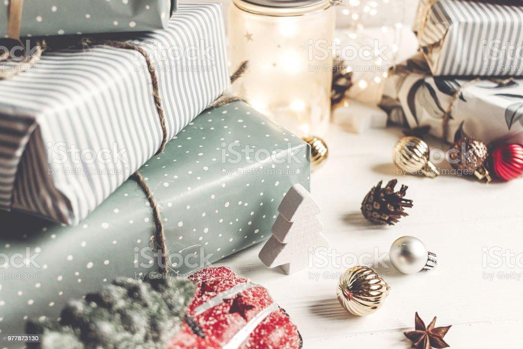 Grüße Frohe Weihnachten.Frohe Weihnachten Und Glückliches Neues Jahr Moderne Geschenke