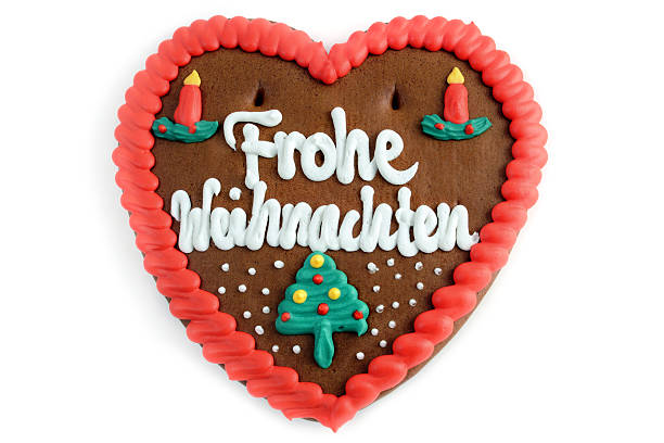 frohe weihnachten dekoration gingerbread cookie herz - lebkuchenherzen stock-fotos und bilder