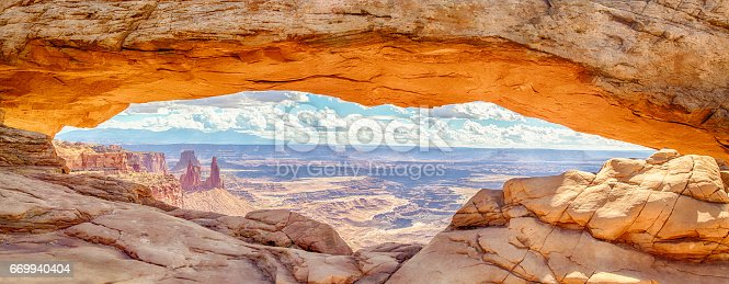 istock Mesa Arch at sunrise, Canyonlands National Park, Utah, USA 669940404