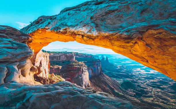 梅薩山拱門日出 - 大自然 個照片及圖片檔