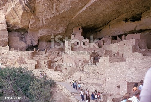 Durango, Mesa Verde National Park, Colorado, USA, 1974. Rock dwellings of pre-Columbian Anasazi tribes. Furthermore: tourists.