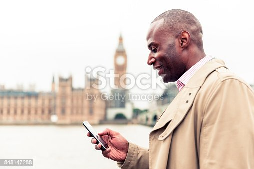 istock Messaging a friend to coordinate a meeting 848147288