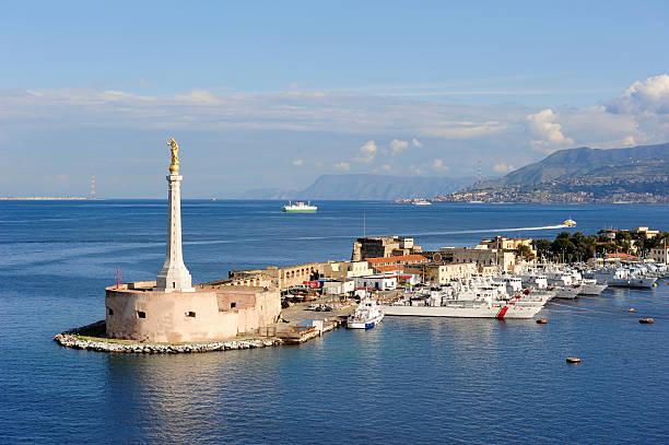 Messina harbor – Foto