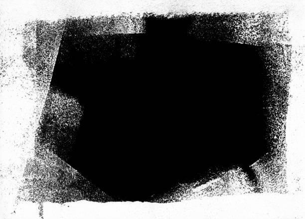Chaotisch gepunkteten schwarz lackiert Flecken auf weißem Papierhintergrund – Foto