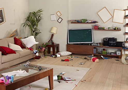 Messy Living Room - Toys | Messy bedroom, Messy kids room ...