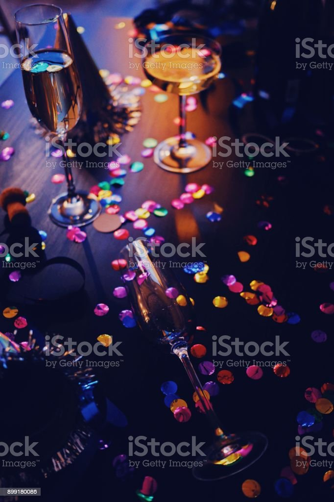 Messy New years still life background party place setting - fotografia de stock