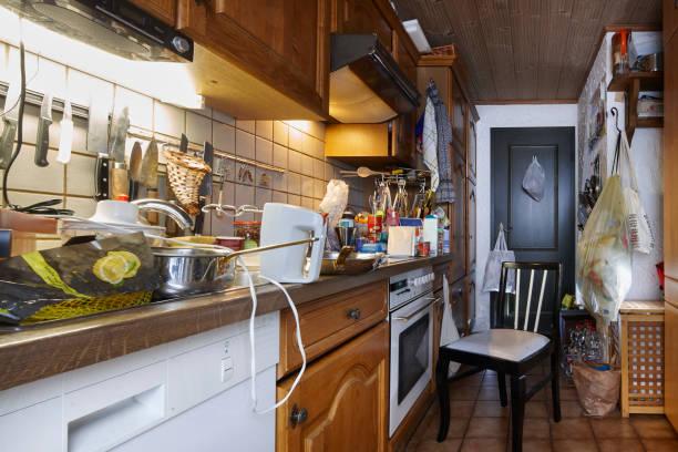 Messy unclean kitchen picture id919972668?b=1&k=6&m=919972668&s=612x612&w=0&h=vgc340 g27rg mfg bipidl9fdawmkfaict lrqsjv0=