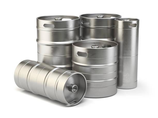 metall bierfässer isoliert auf weißem hintergrund - bierfass stock-fotos und bilder