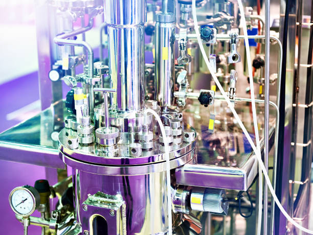 metal equipment chemical reactions for laboratory - reattore nucleare foto e immagini stock