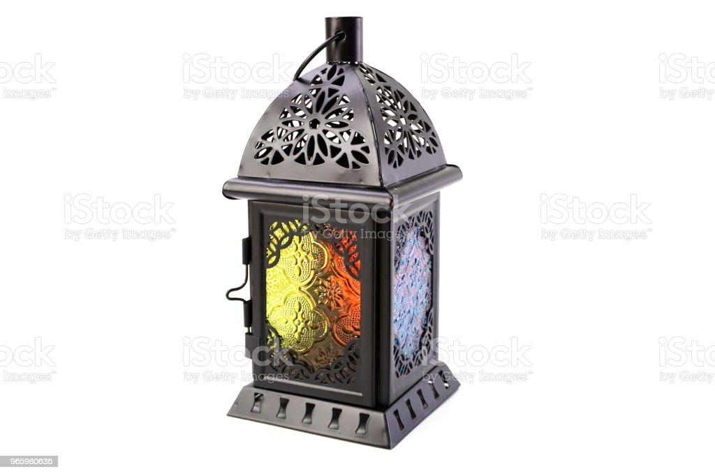 metalen lantaarn decoratieve kaars houder geïsoleerd op witte achtergrond - Royalty-free Antiek - Ouderwets Stockfoto