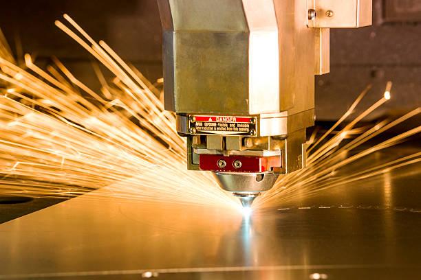 metalowe, laserowo narzędzie skrawające. - ciąć zdjęcia i obrazy z banku zdjęć