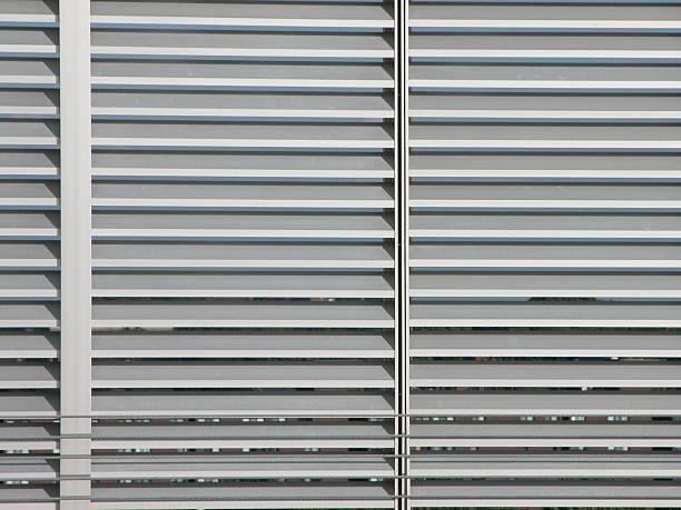 Rejilla de Metal/Louver pared - foto de stock