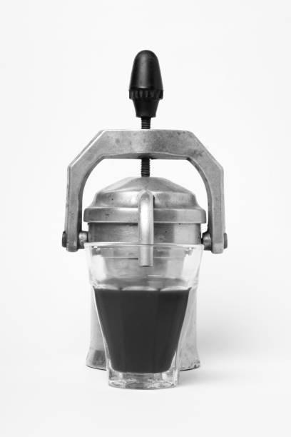 metallic old coffee machine isolated - argento metallo caffettiera foto e immagini stock