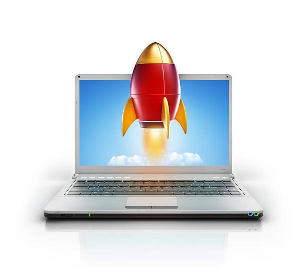 metallic-stil mit-rakete einführung von laptop-pc-bildschirm - pictafolio stock-fotos und bilder