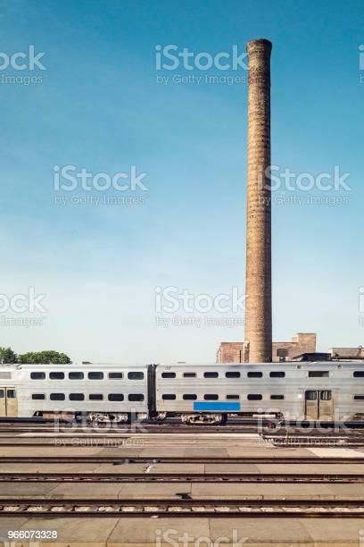 Metalliska Tåg Och Spår View-foton och fler bilder på Fordon på land