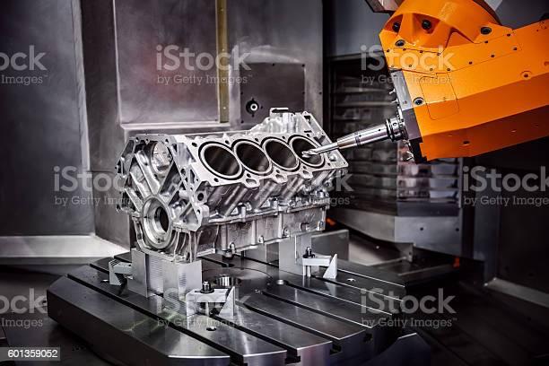 Para Trabajos En Metal De Máquinas Cnc De Molienda Foto de stock y más banco de imágenes de Maquinaria