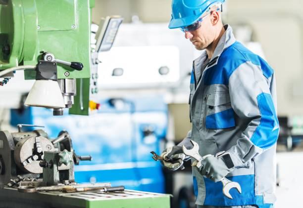 mecánico de máquina metalúrgica - maquinaria fotografías e imágenes de stock
