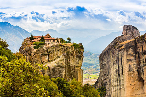 Meteora monastery, Greece It belongs to the UNESCO World Heritage Site monastery stock pictures, royalty-free photos & images