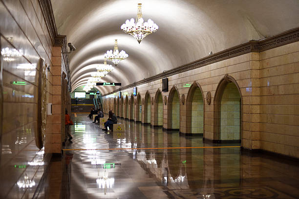 almaty almaly u-bahn-station - almaty metro wiedenmeier stock-fotos und bilder