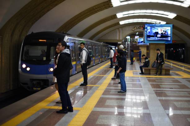 metro almaty - almaty metro wiedenmeier stock-fotos und bilder